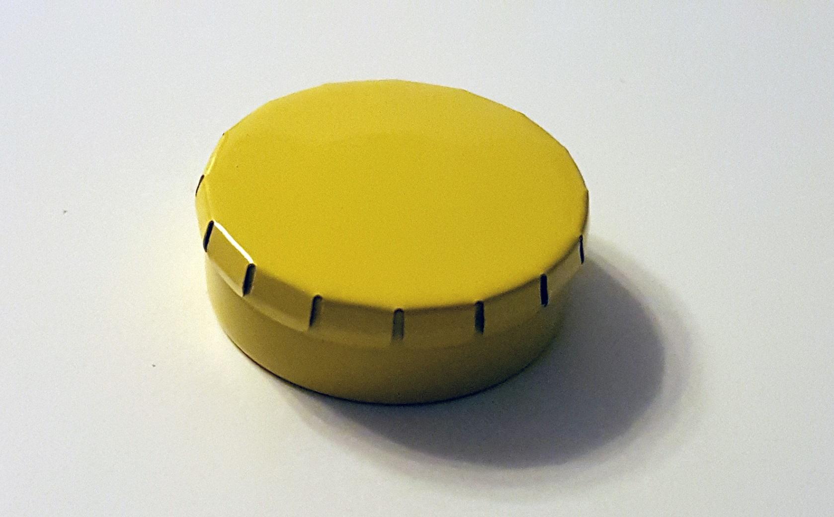 runde blechdose mit klick klack deckel d45 15mm gelb. Black Bedroom Furniture Sets. Home Design Ideas